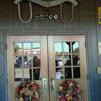 Photo taken at Cracker Barrel Old Country Store by Ronin T. on 10/17/2011