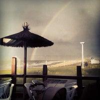 Das Foto wurde bei Surfcafe - Strandbar von Jan D. am 9/11/2012 aufgenommen