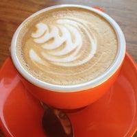 Снимок сделан в Café Grumpy пользователем Kelsey S. 4/4/2012