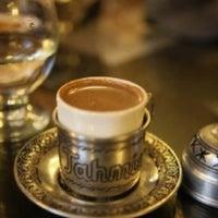 4/11/2012 tarihinde Serra S.ziyaretçi tarafından Son Osmanlı Nargile Cafe'de çekilen fotoğraf