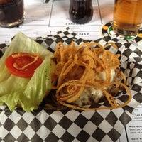 Foto scattata a Tizzy's NY Bar & Grill da Vincenzo M. il 4/10/2012