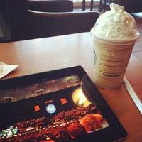 Снимок сделан в Starbucks пользователем Alban L. 5/21/2012