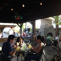 Das Foto wurde bei Ozona Grill & Bar von Skyler H. am 4/15/2012 aufgenommen