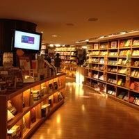 Foto tirada no(a) Livraria Cultura por Bosco C. em 6/2/2012
