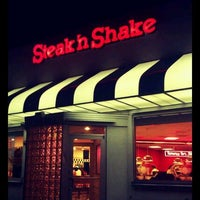 Photo taken at Steak 'n Shake by Miss V. on 4/6/2012