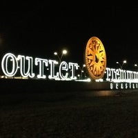 Das Foto wurde bei Outlet Premium Brasília von Fernando G. am 8/5/2012 aufgenommen