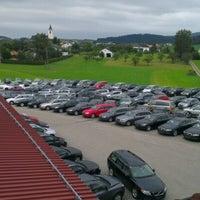 รูปภาพถ่ายที่ Auto Engleder GmbH โดย Günter H. เมื่อ 9/6/2012