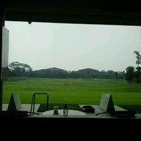 8/23/2012 tarihinde Viktor I.ziyaretçi tarafından Royale Jakarta Golf Club'de çekilen fotoğraf