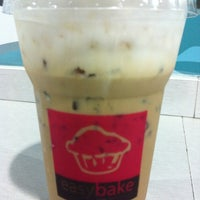 Photo taken at easybake by ลูกชายคนที่ VIII™ on 6/7/2012