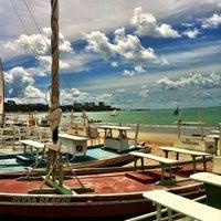 Foto tirada no(a) Praia da Pajuçara por Thiago Q. em 9/2/2012