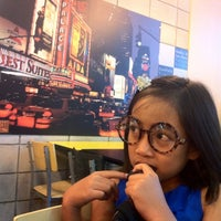Photo taken at Yellow Cab Pizza Co. by Noeh J. on 8/25/2012
