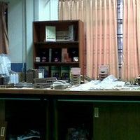 Photo taken at Makmal Pencirian Polimer, Fakulti Kej.Kimia, UTM by Ekmi N. on 2/22/2012