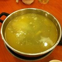 Photo taken at La Mei Zi Restaurant (辣妹子火锅) by Gil on 7/27/2012