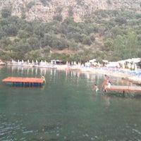 7/15/2012 tarihinde Umit G.ziyaretçi tarafından Nuri's Beach'de çekilen fotoğraf
