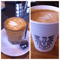 2/2/2012 tarihinde Andy S.ziyaretçi tarafından Ultimo Coffee @ Brew'de çekilen fotoğraf