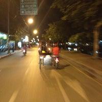 Photo prise au ดวงกมลบุ้คเซ็นเตอร์ par Jennie Y. le5/15/2012