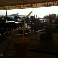 Foto tirada no(a) Cimino Bistro & Café por Alper B. em 7/18/2012