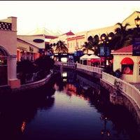 Foto tomada en La Isla Shopping Village por motalicious el 9/9/2012