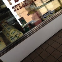 Foto tomada en Philly Steak Subs  por Leann J. el 4/24/2012