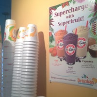 Photo taken at Robeks Fresh Juices & Smoothies by Levanie F. on 4/2/2012