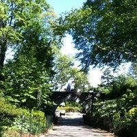 Photo prise au Carl Schurz Park par Julie N. le4/29/2012