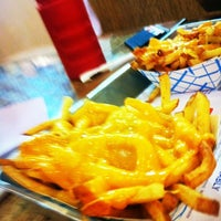 Photo taken at Elevation Burger by ‫﮼يوسف on 6/8/2012