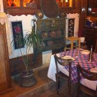 3/10/2012 tarihinde Cem T.ziyaretçi tarafından Tirilye Balık Restorant'de çekilen fotoğraf