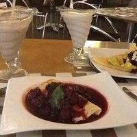 รูปภาพถ่ายที่ Crepes & Waffles โดย Itaicita เมื่อ 6/10/2012