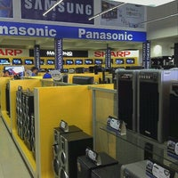 Photo taken at Hartono Elektronika by Anis N. on 10/15/2011