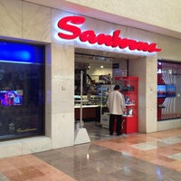 Photo taken at Sanborns by Daniel Z. on 6/23/2012
