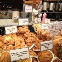 Foto tomada en Amy's Bread por Dom W. el 1/11/2012