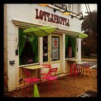 Das Foto wurde bei LottaFrutta von Amanda H. am 11/21/2011 aufgenommen