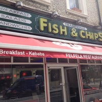 Photo taken at Fresh (Fish And Chips) by Jhonatansoal on 6/1/2012
