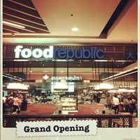 Photo taken at Food Republic by Pic P. on 2/7/2012