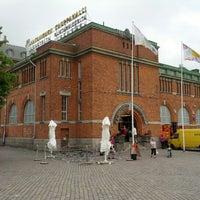7/30/2012 tarihinde Yuichiro M.ziyaretçi tarafından Hakaniemen kauppahalli'de çekilen fotoğraf
