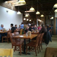 12/31/2011 tarihinde Grant K.ziyaretçi tarafından Podnah's Pit BBQ'de çekilen fotoğraf