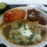 Photo taken at Baja Fresh Mexican Grill by Ludwig G. on 8/2/2011
