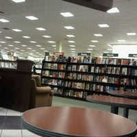 Photo taken at Barnes & Noble by Dwayne K. on 10/5/2011