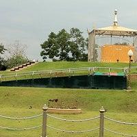Photo taken at วัดป่าบ้านตาด (วัดเกษรศีลคุณ) Wat Pa Baan Tat by Peerawat A. on 1/19/2012