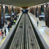 Foto tomada en Metro Vicente Valdés por Gabriel M. el 9/2/2011