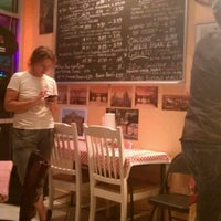 9/10/2011 tarihinde Kyle P.ziyaretçi tarafından Luigi's Pizzeria'de çekilen fotoğraf