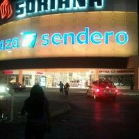 Foto tomada en Plaza Patio por Emilio G. el 2/14/2012