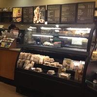 Снимок сделан в Starbucks пользователем Ricardo M. 7/3/2012