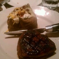 Photo taken at LongHorn Steakhouse by Hayden W. on 12/29/2011