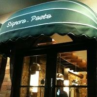 Photo prise au Signora Pasta par Kurnijanto S. le3/18/2012