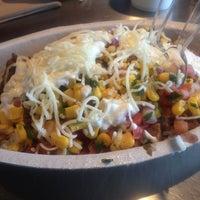 Foto tomada en Chipotle Mexican Grill por Kiran R. el 8/27/2012