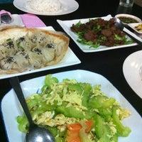 Photo taken at Restoran Dong Yi Shun by Mehjabeen A. on 6/16/2012