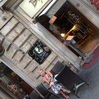 Foto scattata a George Byron Cafe da Cannon P. il 6/6/2012