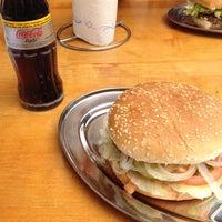 Photo taken at Stargarder Burger by Gisele N. on 6/11/2012