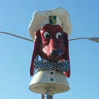 Photo taken at Doggie Diner Head by Lisa D. on 10/22/2011